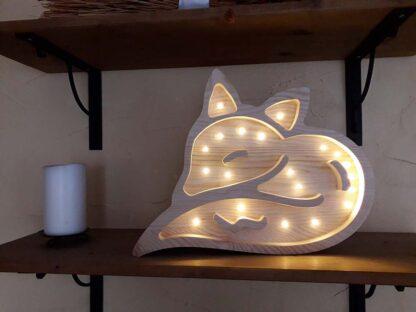 drewniana lampka dla dziecka