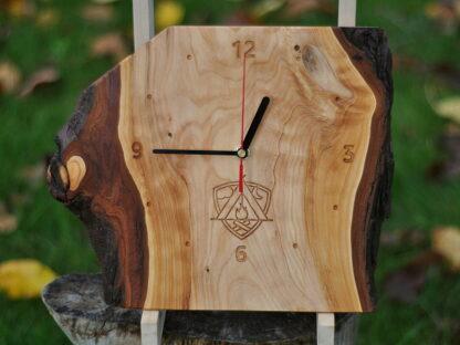 zegar ścienny z logo