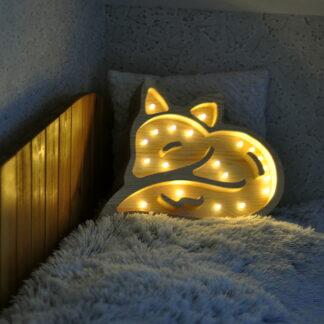 drewniane lampki