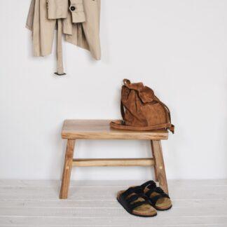 drewniany stołek orzech włoski ręcznie robiony