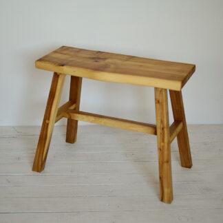 rewniana ławeczka mała konsola stołek akacja