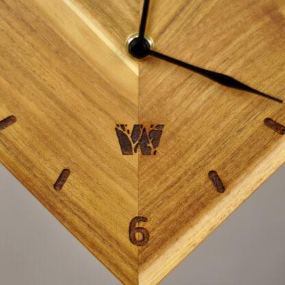 rustykalny zegar drewniany