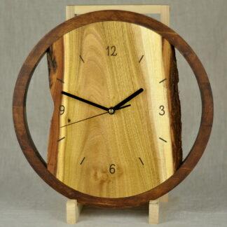 zegar do salonu z akacji
