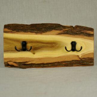 rustykalny wieszak z akacji